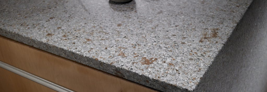 Kitchen Worktop in detail Riverbed 1